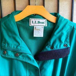 L.L. Bean Rain Coat in Emerald Green with Hood